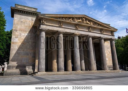 Neue Wache - New Guardhouse Central Memorial Of The Federal Republic Of Germany For The Victims Of W
