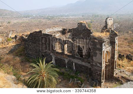 Daulatabad Fort, Building Structure And Ruins, In Aurangabad District, Maharashtra