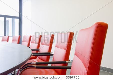 Stühle In einem Konferenzraum