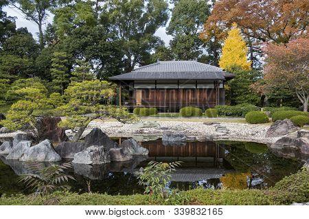 Kyoto, Japan- 25 Nov, 2019: Seiryu-en Garden And Teahouse At Nijo Castle In Kyoto Japan. A Flatland