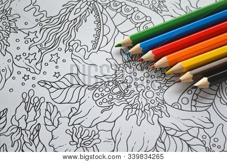 Moscow, Russia, December 2019: Zen Art, Doodle Patterns With Multicolored Pens Rainbow Colored Lay O