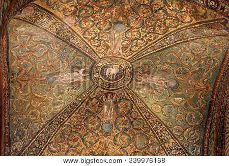 Ravenna, Italy - Sept 11, 2019: Interior Of Basilica Of San Vitale, Which Has Important Examples Of