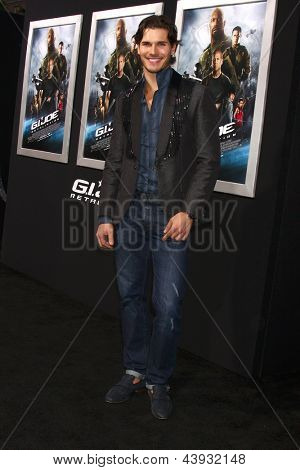 LOS ANGELES - MAR 28:  Gleb Savchenko arrives at the