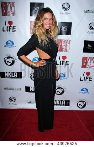 LOS ANGELES - APR 2:  Jasmine Dustin arrives at  the No Kill L.A. Charity Event at the Fred Segal on April 2, 2013 in West Hollywood, CA