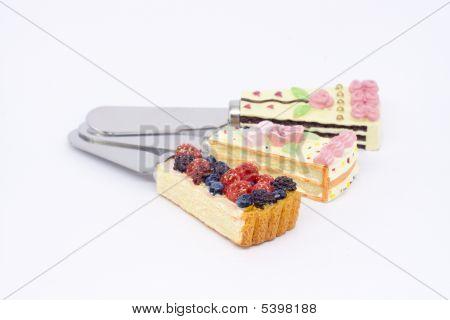 3 Small Cake Lifts