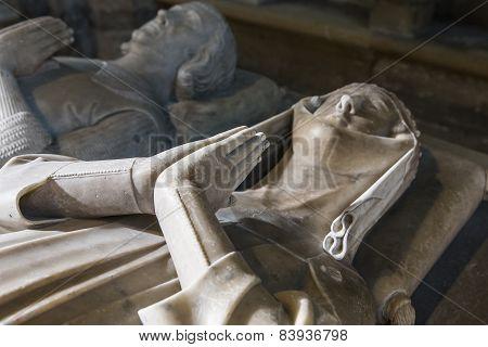 statue of queen Marguerite of artois in  basilica of saint-denis
