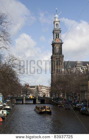 Prinsengracht Met Westertoren En Canalboat