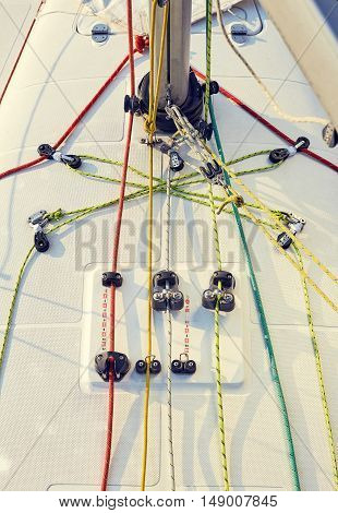 Properly equipped workplace for yacht Pitman, for halyard management.