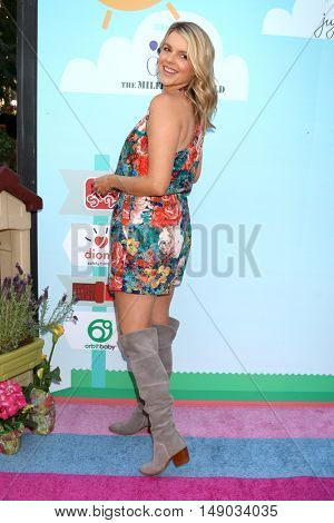 LOS ANGELES - SEP 24:  Ali Fedotowsky at the 5th Annual Red Carpet Safety Awareness Event at the Sony Picture Studios on September 24, 2016 in Culver City, CA