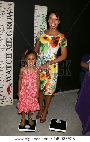 LOS ANGELES - SEP 24:  Naomi Nenninger, Angel Parker at the 5th Annual Red Carpet Safety Awareness Event at the Sony Picture Studios on September 24, 2016 in Culver City, CA