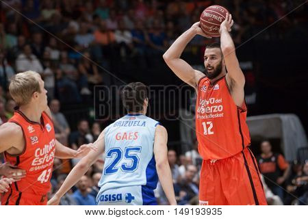 VALENCIA, SPAIN - SEPTEMBER 25th: Jankovic with ball during match between Valencia Basket and Estudiantes at Fonteta Stadium on September 25, 2016 in Valencia, Spain