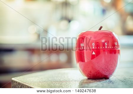 0 Minutes / 1 Hour - Red Kitchen Egg Timer In Apple Shape