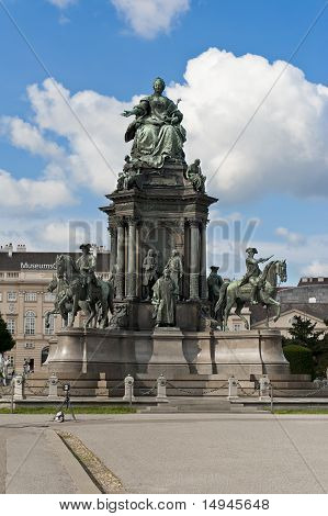 Maria Theresia Statue