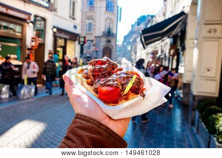 Brussels waffles are prepared with an egg-white-leavened or yeast-leavened batter traditionally an ale yeast;[64] occasionally both types of leavening are used together. They are lighter crisper and have larger pockets compared to other European waffle va