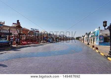 SHARM EL SHEIK, EGYPT - AUGUST 25, 2015: Shops offer their various products to tourists