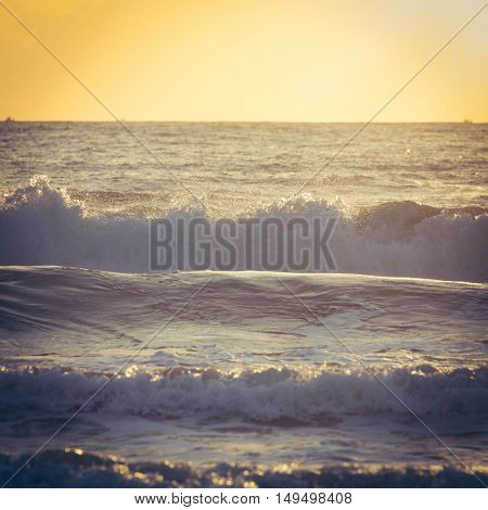 Beautiful Sea With Sunlight In The Morning Day, Holidy Trip Background