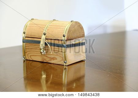 force casket background burgled lockpicking broken trunk chest