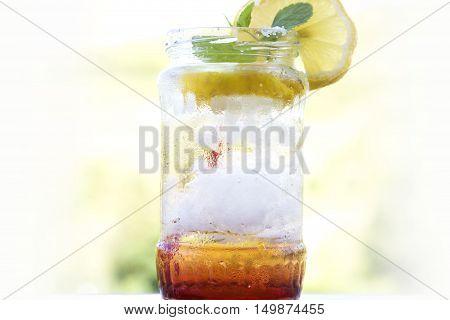 lemonade cocktail in a jar, summer detox diet drink