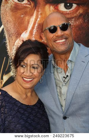 NEW YORK - JUN 10: Actor Dwayne Johnson and Ata Johnson (L) attend the premiere of