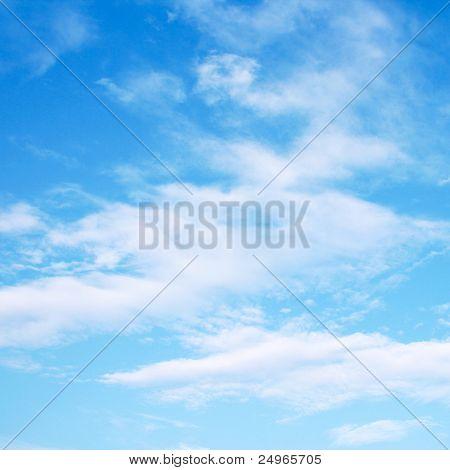 蓝蓝的天空云。