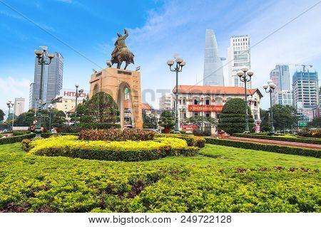 Ho Chi Minh , Vietnam- March 7, 2013 : Tran Nguyen Han Statue Locate At Quach Thi Trang Traffic Circ