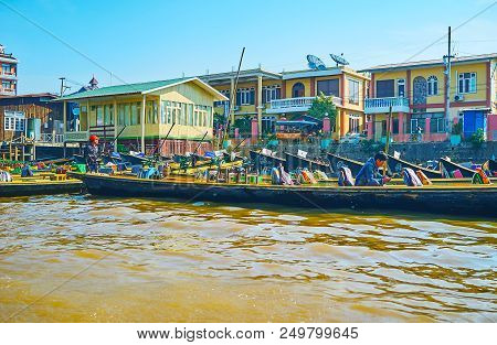 Nyaungshwe, Myanmar - February 19, 2018: The Boat Trip To Inle Lake Is The Main Attraction In Nyaung