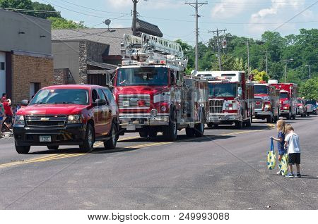 Mendota, Mn/usa - July 14, 2018: Motorcade Lineup Of Emergency Vehicles At Annual Mendota Days Parad