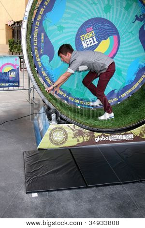 LOS ANGELES - JUL 16: Kevin McHale at the FOX And Teen Choice 2nd Annual Energy Playground at Hollywood & Highland Courtyard on July 16, 2012 in Los Angeles, CA