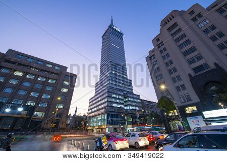 Mexico City - Jan. 15, 2020: Torre Latinoamericana In The Early Morning With Sunrise Twilight On Ave
