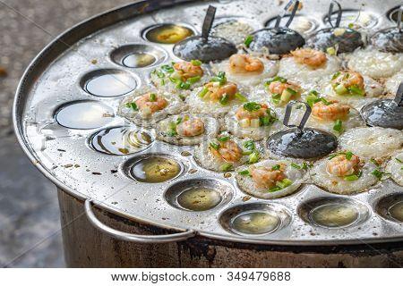 Sizzling Vietnamese Mini Shrimp Pancake And Onion- Banh Khot
