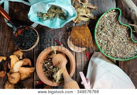 Table Of Herbalist And Healer Healing Herbs, Alternative Medicine, Healer Set