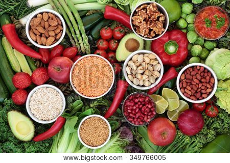 Low glycemic food for a health & fitness diet for diabetics high in vitamins, minerals, anthocyanins, antioxidants, smart carbs & omega 3 fatty acids. Below 55 on the GI index. Top view.