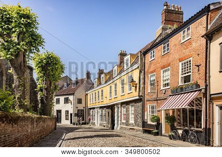 29 June 2019: Norwich, Norfolk - Elm Hill Is A Historic Cobbled Street In The Centre Of Norwich, Nor