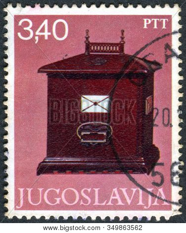 Yugoslavia - Circa 1978: A Stamp Printed In Yugoslavia, Depicted Letter-box, 1840, Circa 1978