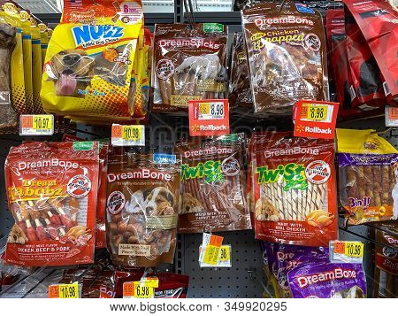 Orlando, Fl/usa-2/6/20:  A Display Of A Variety Of Dog Treats In A Walmart Retail Store Waiting For