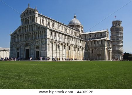 Cathedral  La Piazza Del Suomo
