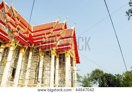 Beautiful Thai Temple During Repairing