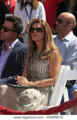 LOS ANGELES - APR 27:  Maria Shriver at the Jane Fonda Hand and FootPrint Ceremony at the Chinese Theater on April 26, 2013 in Los Angeles, CA