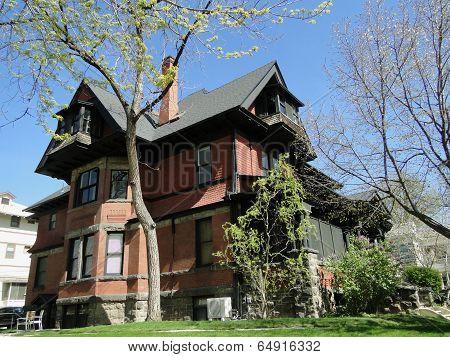 1899 Queen Anne Mansion