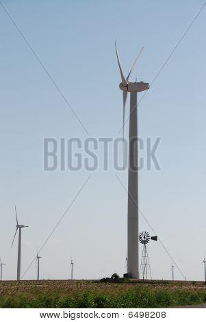 Wind Turbine Vs. Windmill Size Comparison