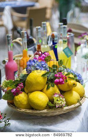 Lemons for sale at market stall, Ravello, Amalfi Coast, Salerno, Campania, Italy