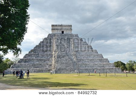 Ancient Mayan Pyramid Kukulcan Temple In Chichen Itza, Mexico.