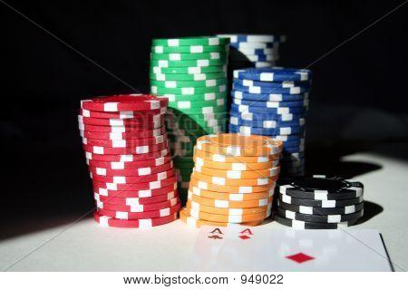 Lucky Hole Cards