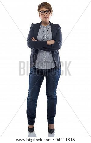 Image pudgy woman in jeans with arms crossed