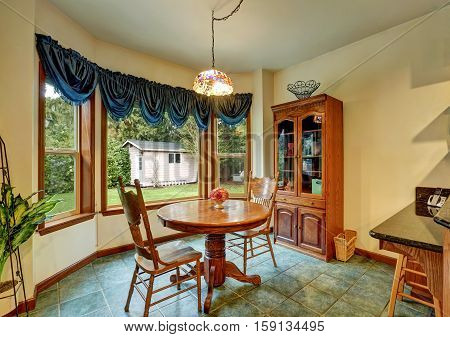 Cozy Breakfast Nook Interior