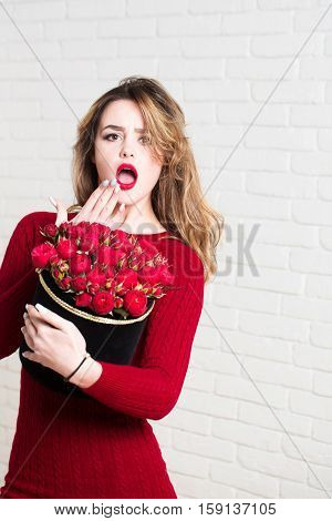 Sexy Girl With Red Roses
