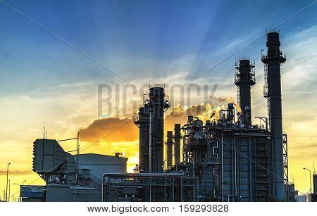 Gas turbine electrical power plant with twilight.