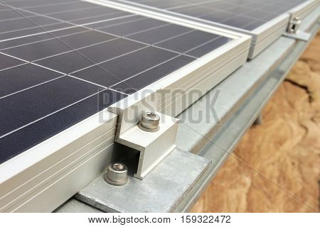End Clamp of Solar PV Panel Installation