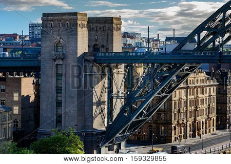 The Tyne Bridge was the biggest single-span bridge in the UK when opened.