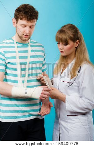 Man With Broken Hand Visit Doctor.